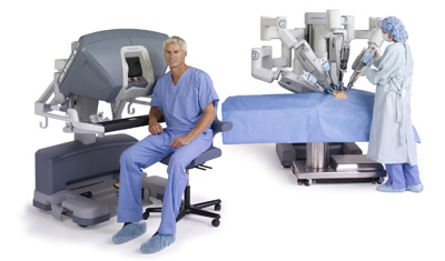 da-vinci-system-si-seated-surgeon-nurse-at-cart