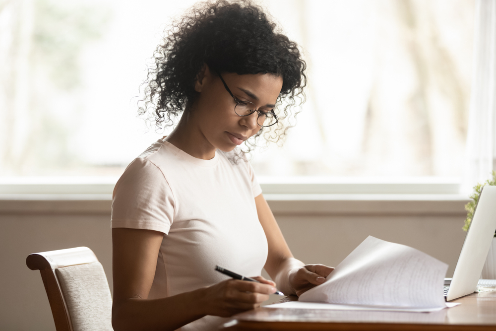 5 Tips for Managing Piles of Hysterectomy Paperwork