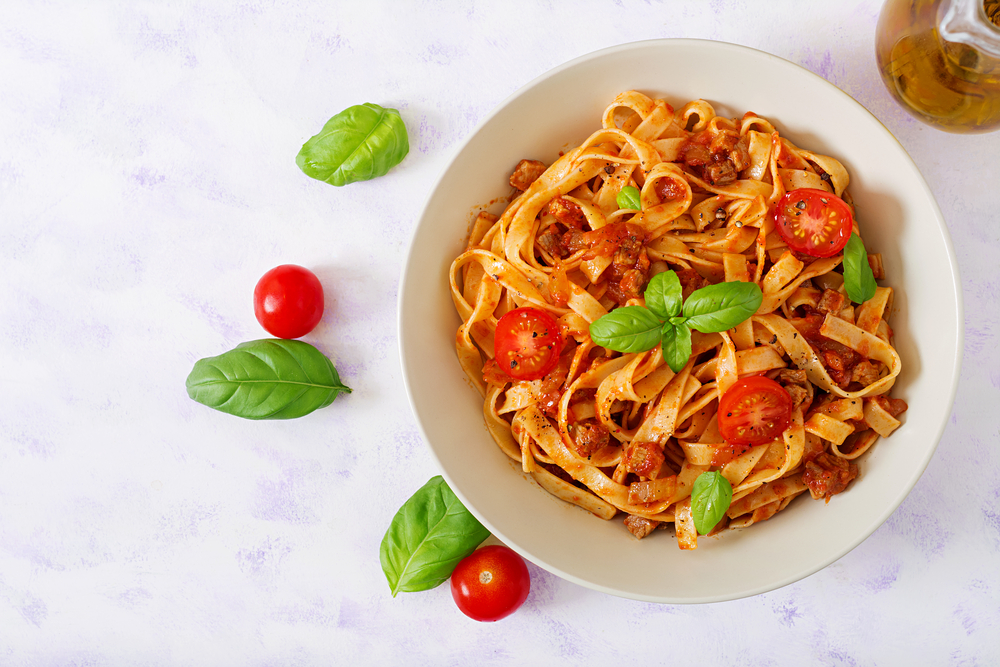 Women who eat more pasta tend to get menopause earlier